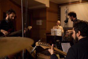 """ηχογράφηση  του """"εργαστηρίου τζαζ αυτοσχεδιασμού"""" σε εργαστηριακό μάθημα"""